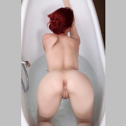 Ariel-Piperfawn-from-MetArt-in-Bathtub-11.jpg