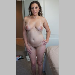 BBW-Brunette-Melanie-Hicks-Big-Natural-Tits-1.jpg