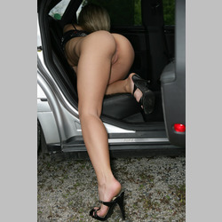 Blonde-Andrea-Randall-from-W4B-in-Car-14.jpg