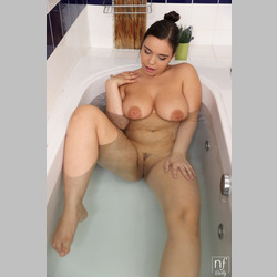 Brunette-Sofia-Lee-Big-Natural-Tits-Jeans-Shorts-in-Bath-from-Nubiles