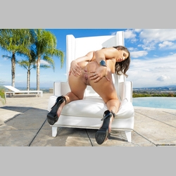 Curvy-Brunette-Abella-Danger-Wearing-High-Heels-13.jpg