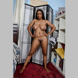 Ebony-Alia-Starr-with-Big-Natural-Tits-in-Bedroom-3.jpg