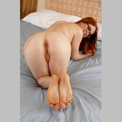 Pale-Redhead-Penny-Pax-with-Nice-Feet-22.jpg