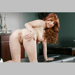 Redhead-Penny-Pax-with-Blue-Eyes-from-Brazzers-Wearing-Platform-High-Heels-14.jpg