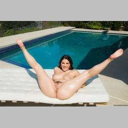 Valentina-Nappi-Pool-from-Brazzers